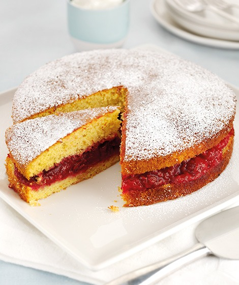 Genoise Sponge with Winter Fruit Compote Recipe